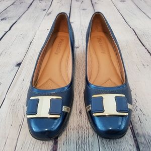 PICCADILLY patent leather blue low wedge shoe